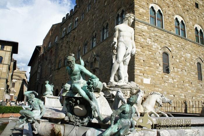 38) 海神波塞冬雕像